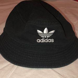 Adidas bucket hat (never worn)